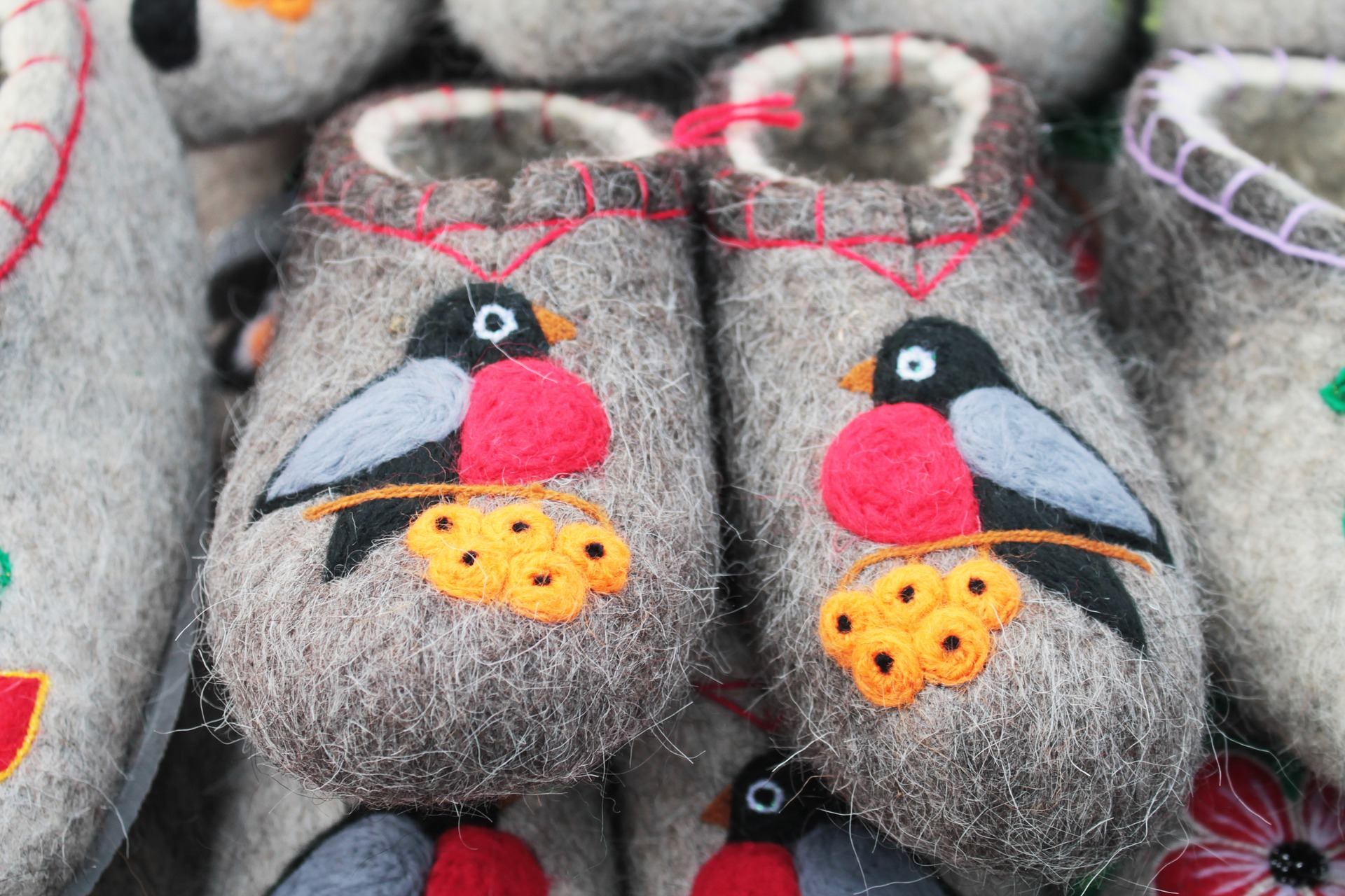 slippers-5077839_1920
